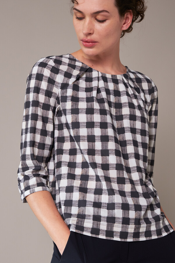 STRAIGHT PLEAT CHECK TOP ZIP BLACK