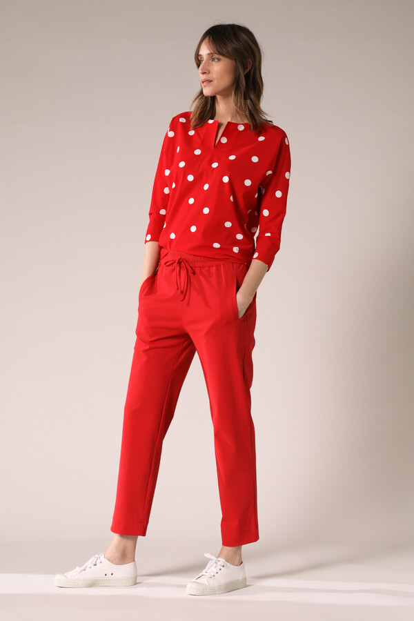 SPLIT NECK LOOSE TOP DOT PRINT RADICAL RED