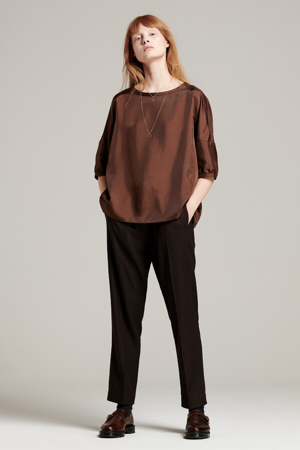 SATIN TWILL TOP WARM BROWN