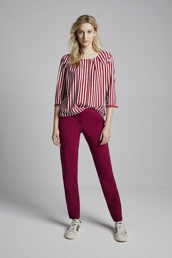 STRIPE PLEAT TOP MASAI RED