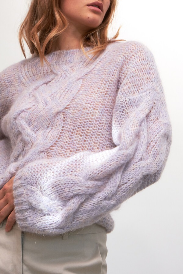 LIGHT WEIGHT CABLE KNIT CLOUD