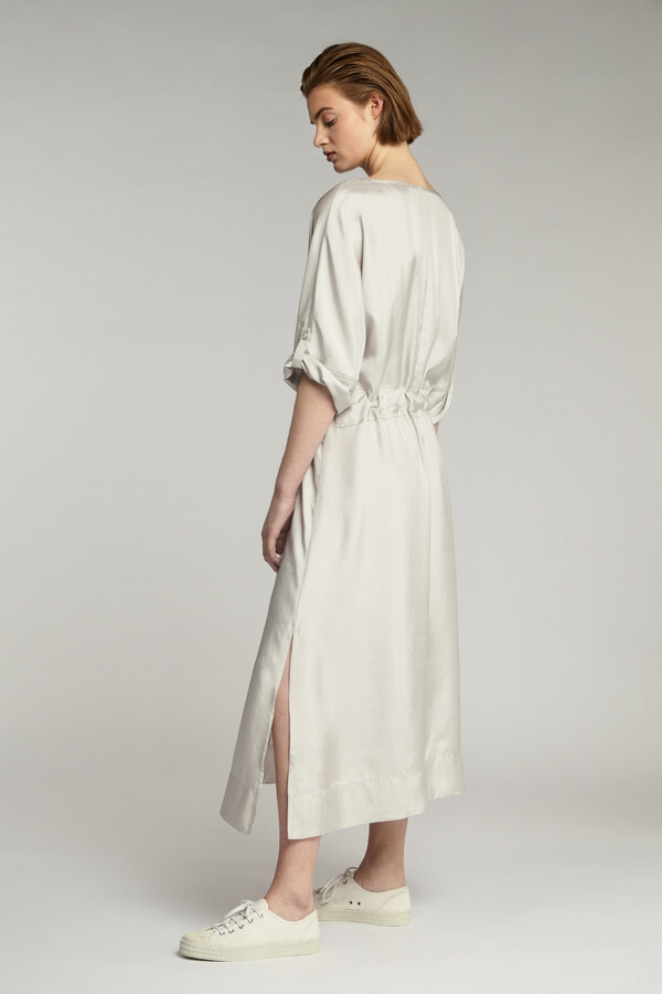 RELAXED WIDE SILKY DRESS EGGSHELL